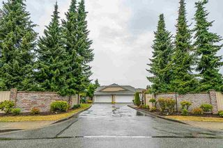 Photo 1: 113 15121 19 AVENUE in South Surrey White Rock: Home for sale : MLS®# R2286322