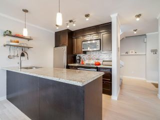 """Photo 11: 1 1214 W 7TH Avenue in Vancouver: Fairview VW Townhouse for sale in """"MARVISTA COURTS"""" (Vancouver West)  : MLS®# R2560085"""