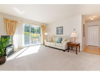 "Photo 4: 109 1459 BLACKWOOD Street: White Rock Condo for sale in ""The Chartwell"" (South Surrey White Rock)  : MLS®# R2445492"