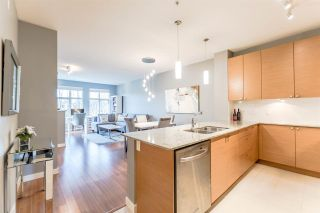 Photo 5: 306 101 MORRISSEY ROAD in Port Moody: Port Moody Centre Condo for sale : MLS®# R2241419