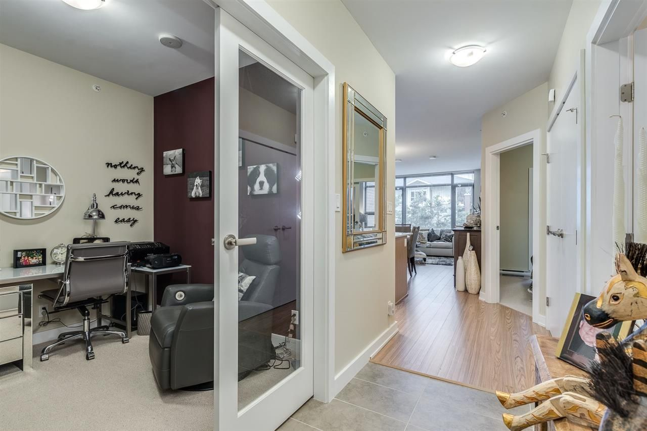"""Photo 16: Photos: 204 301 CAPILANO Road in Port Moody: Port Moody Centre Condo for sale in """"The Residences"""" : MLS®# R2474301"""