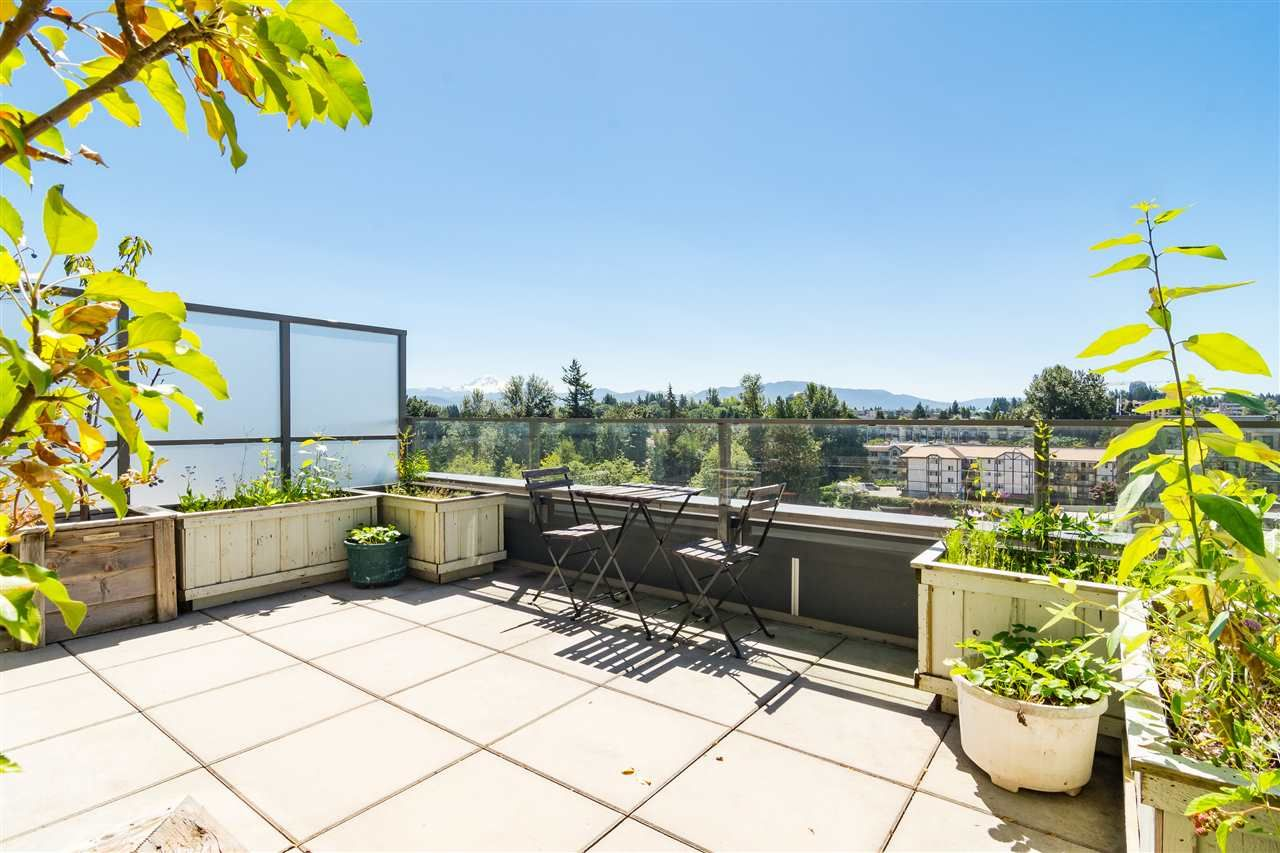 "Photo 4: Photos: 515 3080 GLADWIN Road in Abbotsford: Central Abbotsford Condo for sale in ""HUDSON'S  LOFT"" : MLS®# R2480675"