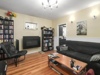 Photo 4: 4752 VICTORIA DRIVE in Vancouver: Victoria VE House for sale (Vancouver East)  : MLS®# R2406060