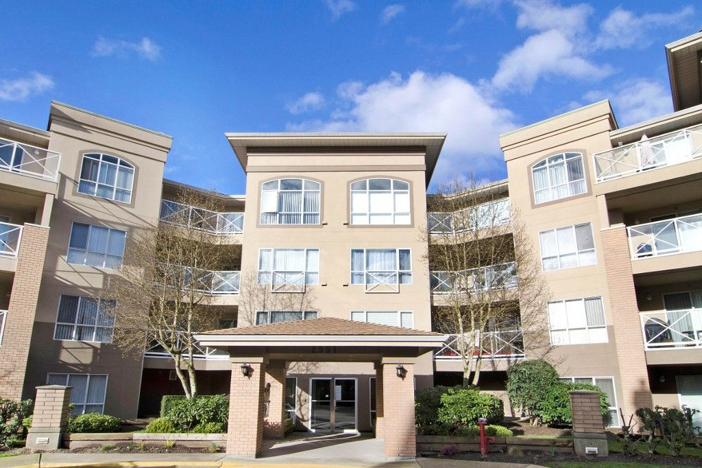 Main Photo: 211 2551 PARKVIEW Lane in Port Coquitlam: Central Pt Coquitlam Condo for sale : MLS®# R2133459