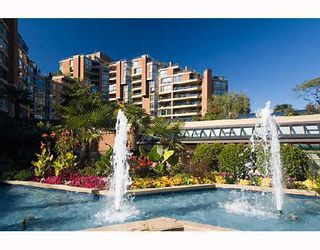 """Photo 4: 204 1490 PENNYFARTHING Drive in Vancouver: False Creek Condo for sale in """"HARBOUR COVE"""" (Vancouver West)  : MLS®# V872737"""