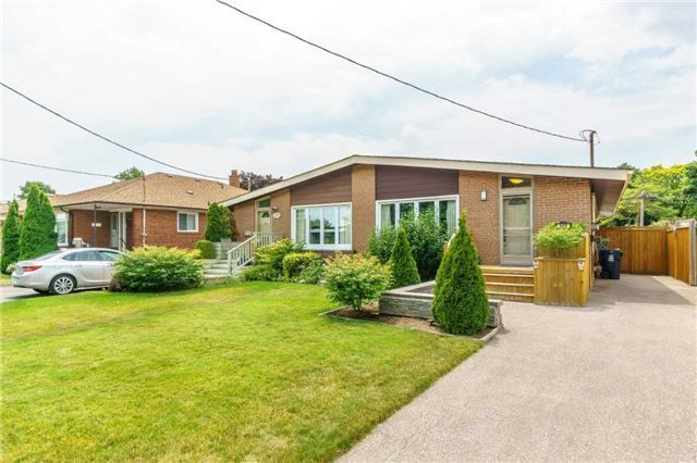 Photo 1: Photos: 140 Fenside Drive in Toronto: Parkwoods-Donalda House (Bungalow) for sale (Toronto C13)  : MLS®# C4189214