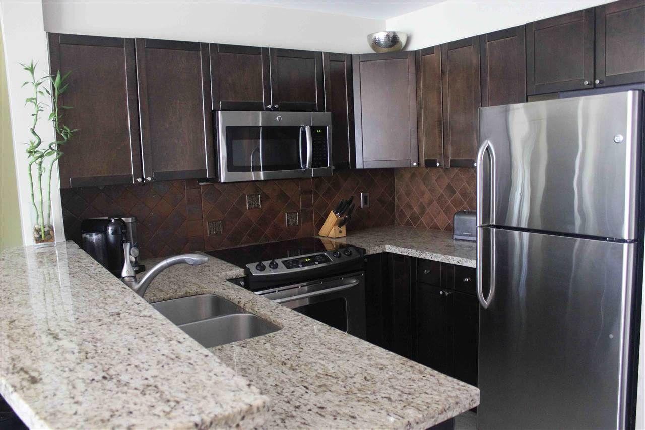 "Photo 3: Photos: 401 225 NEWPORT Drive in Port Moody: North Shore Pt Moody Condo for sale in ""NEWPORT VILLAGE"" : MLS®# R2170711"