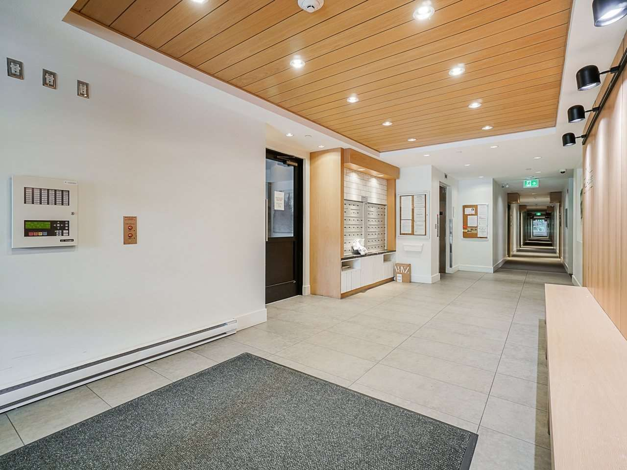 "Photo 4: Photos: 302 3205 MOUNTAIN Highway in North Vancouver: Lynn Valley Condo for sale in ""Mill House"" : MLS®# R2464769"