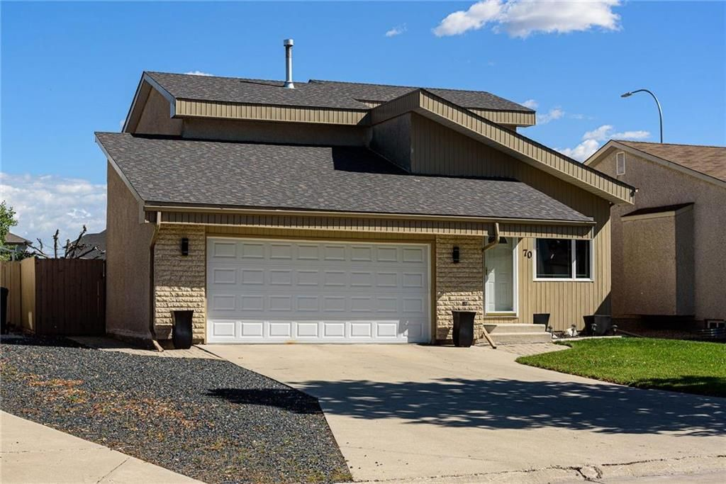 Main Photo: 70 Linden Park Bay in Winnipeg: Meadows West Residential for sale (4L)  : MLS®# 202124394