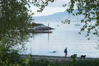 """Photo 19: 206 3083 W 4TH Avenue in Vancouver: Kitsilano Condo for sale in """"DELANO"""" (Vancouver West)  : MLS®# R2177655"""