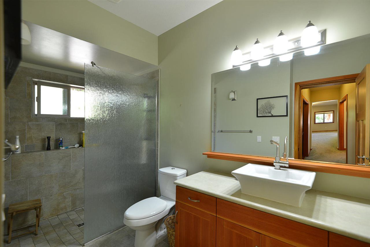 Photo 14: Photos: 505 MAPLE Street in Gibsons: Gibsons & Area House for sale (Sunshine Coast)  : MLS®# R2293109