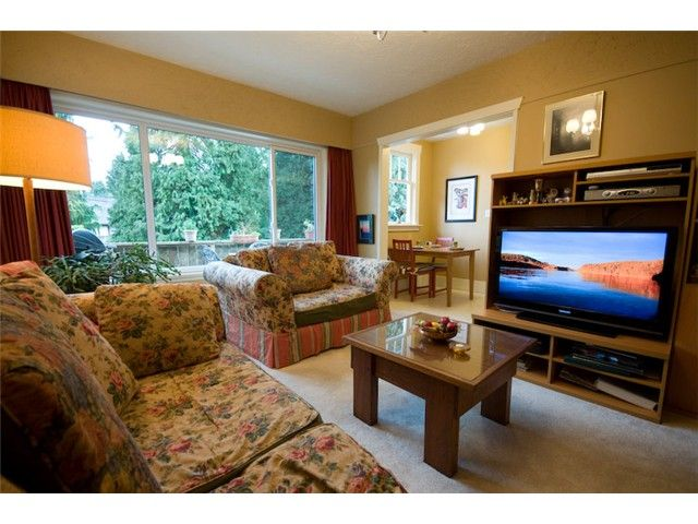 Photo 5: Photos: 3492 W 35TH Avenue in Vancouver: Dunbar House for sale (Vancouver West)  : MLS®# V831922