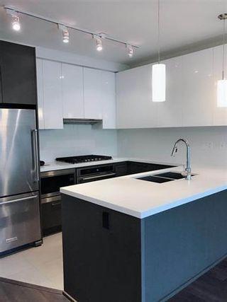 Photo 4: 1701 3080 Lincoln Avenue in Coquitlam: North Coquitlam Condo for sale : MLS®# R2301142