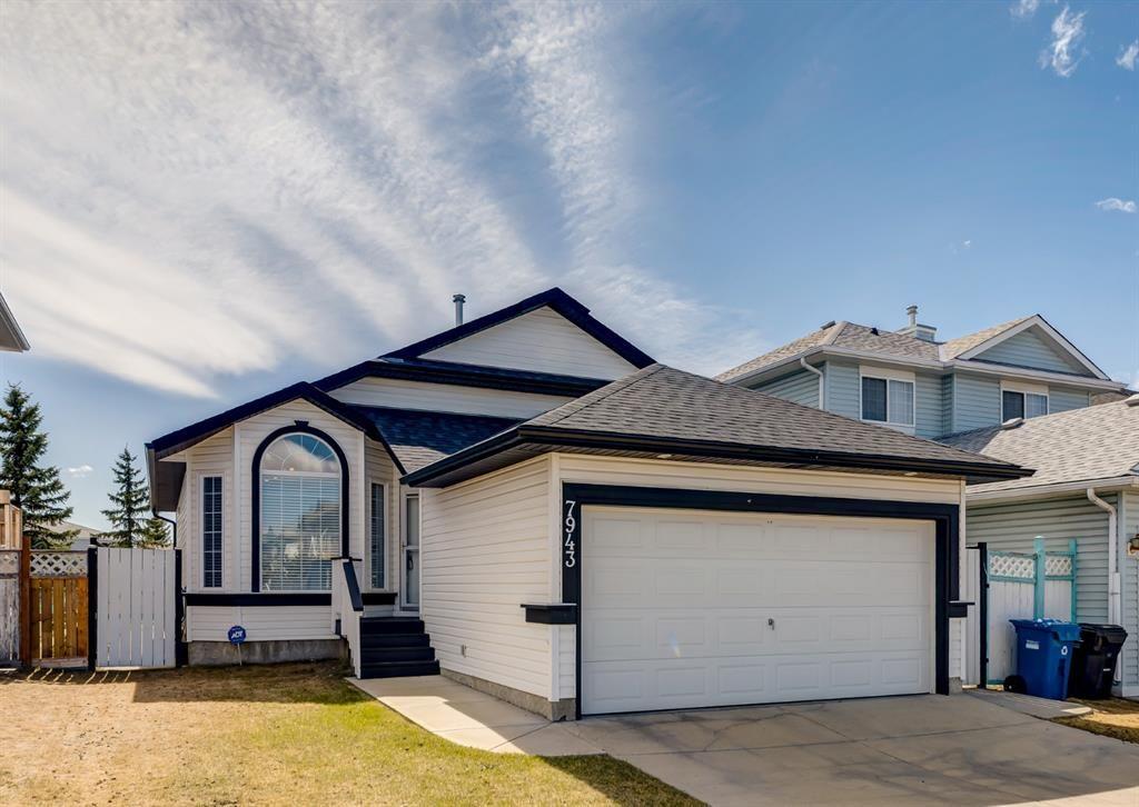 Main Photo: 7943 Laguna Way NE in Calgary: Monterey Park Detached for sale : MLS®# A1102792