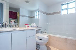 "Photo 14: 17E 338 TAYLOR Way in West Vancouver: Park Royal Condo for sale in ""The West Royal"" : MLS®# R2204846"