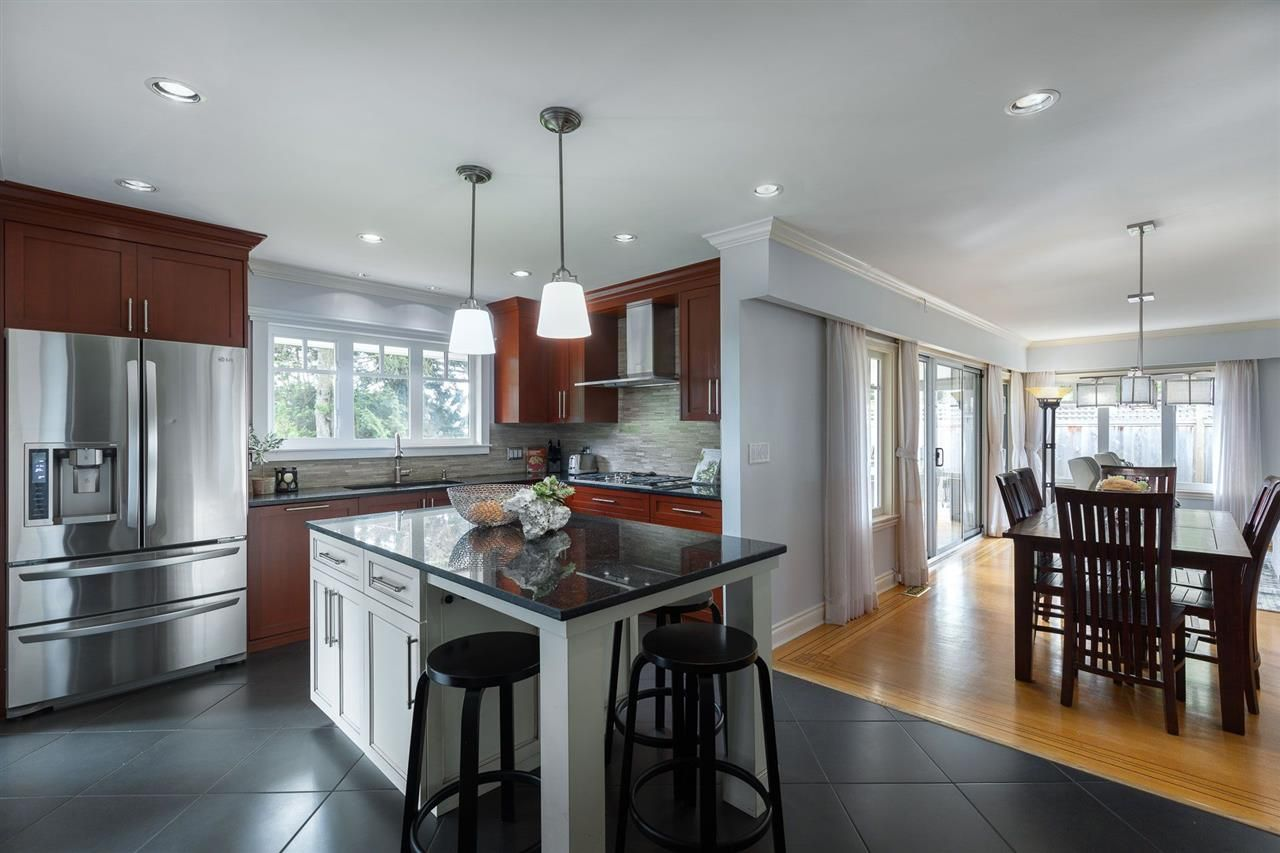 Photo 7: Photos: 80 GLENMORE Drive in West Vancouver: Glenmore House for sale : MLS®# R2468139