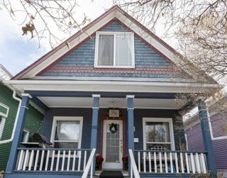 Main Photo: 918 2 Avenue NW in Calgary: Sunnyside Detached for sale : MLS®# A1072929