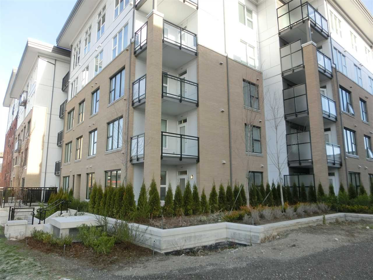 Main Photo: 111 9366 TOMICKI AVENUE in Richmond: West Cambie Condo for sale ()  : MLS®# R2133583