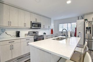 Photo 4: 44 Hardisty Place SW in Calgary: Haysboro Detached for sale : MLS®# A1116094