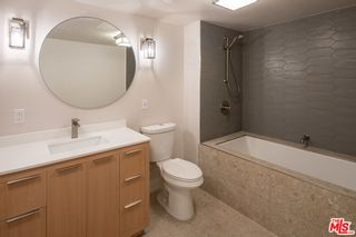 Photo 9: 120 S Hewitt Street Unit 4 in Los Angeles: Residential Lease for sale (C42 - Downtown L.A.)  : MLS®# 21793998