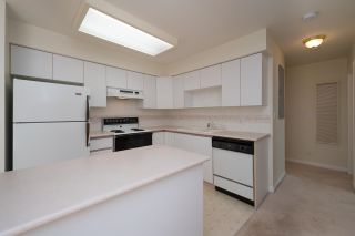 """Photo 11: 208 5375 VICTORY Street in Burnaby: Metrotown Condo for sale in """"THE COURTYARD"""" (Burnaby South)  : MLS®# R2602419"""