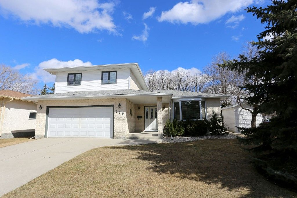Welcome to 123 Hunterspoint Road in Charleswood