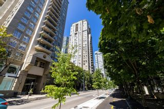 """Photo 17: 2105 969 RICHARDS Street in Vancouver: Downtown VW Condo for sale in """"Mondrian II"""" (Vancouver West)  : MLS®# R2603346"""