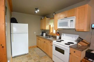 """Photo 5: 18865 GRANTHAM Road in Smithers: Smithers - Rural House for sale in """"Grantham"""" (Smithers And Area (Zone 54))  : MLS®# R2389601"""