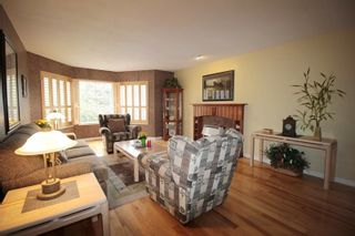 """Photo 2: 21831 44A Avenue in Langley: Murrayville House for sale in """"Murrayville"""" : MLS®# R2163598"""