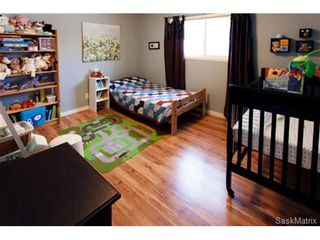 Photo 18: 1645 9th AVENUE N in Saskatoon: North Park Single Family Dwelling for sale (Saskatoon Area 03)  : MLS®# 457277
