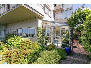 "Photo 4: M1 150 24TH Street in West Vancouver: Dundarave Condo for sale in ""SEASTRAND"" : MLS®# V1129051"