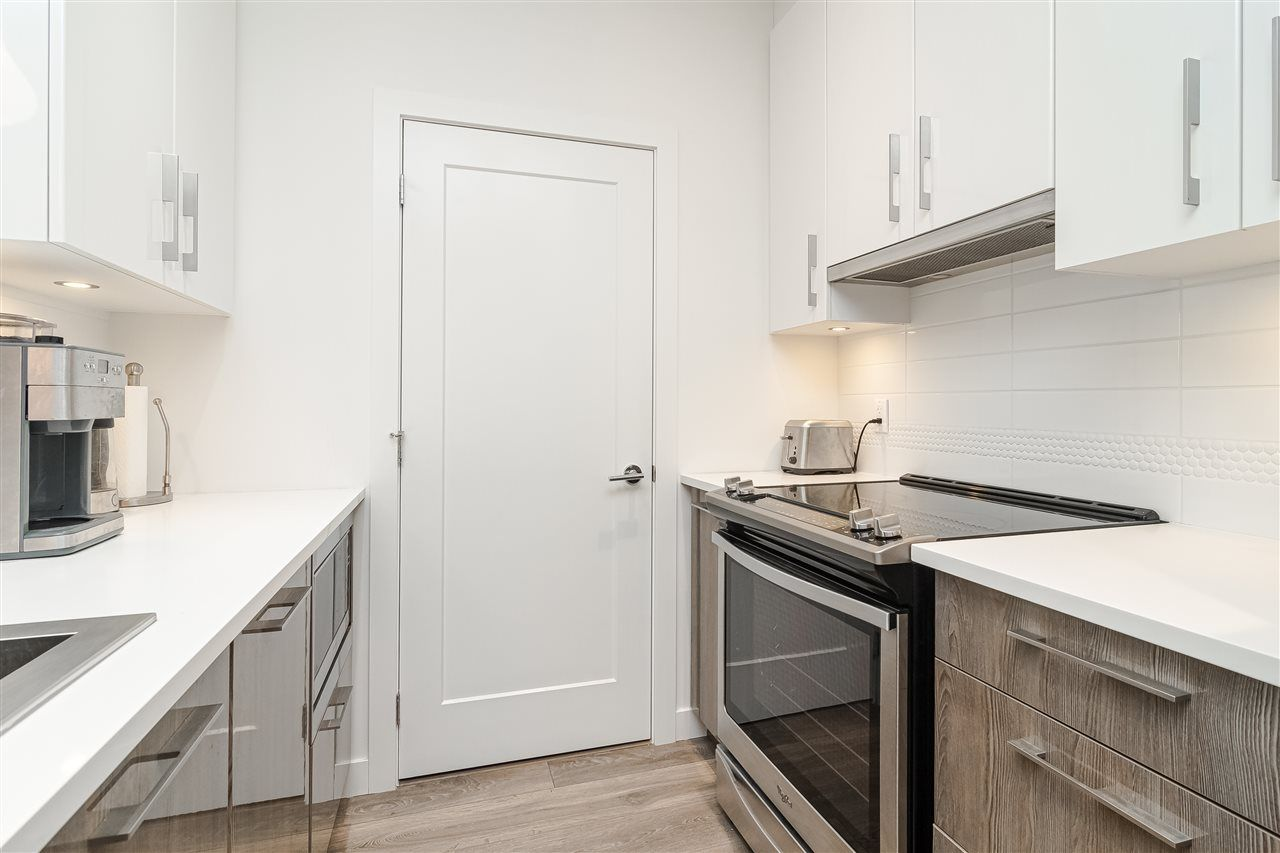 """Photo 3: Photos: 306 20829 77A Avenue in Langley: Willoughby Heights Condo for sale in """"The Wex"""" : MLS®# R2509468"""