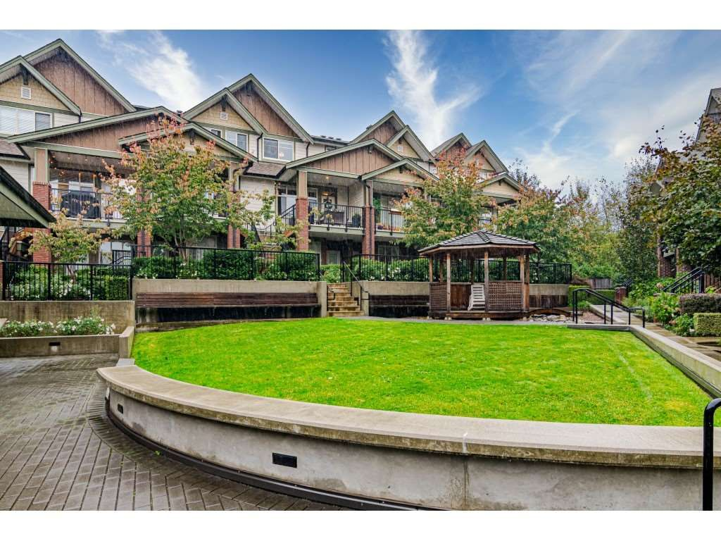 "Main Photo: 203 6706 192 Street in Surrey: Clayton Townhouse for sale in ""One92"" (Cloverdale)  : MLS®# R2509719"