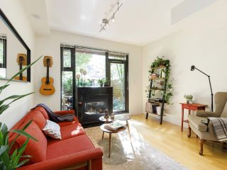 """Photo 8: 3790 COMMERCIAL Street in Vancouver: Victoria VE Townhouse for sale in """"BRIX"""" (Vancouver East)  : MLS®# R2487302"""