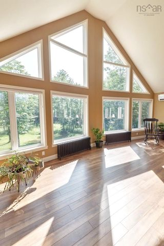 Photo 2: 505 Brow of Mountain Road in Aylesford Mountain: 404-Kings County Residential for sale (Annapolis Valley)  : MLS®# 202121492
