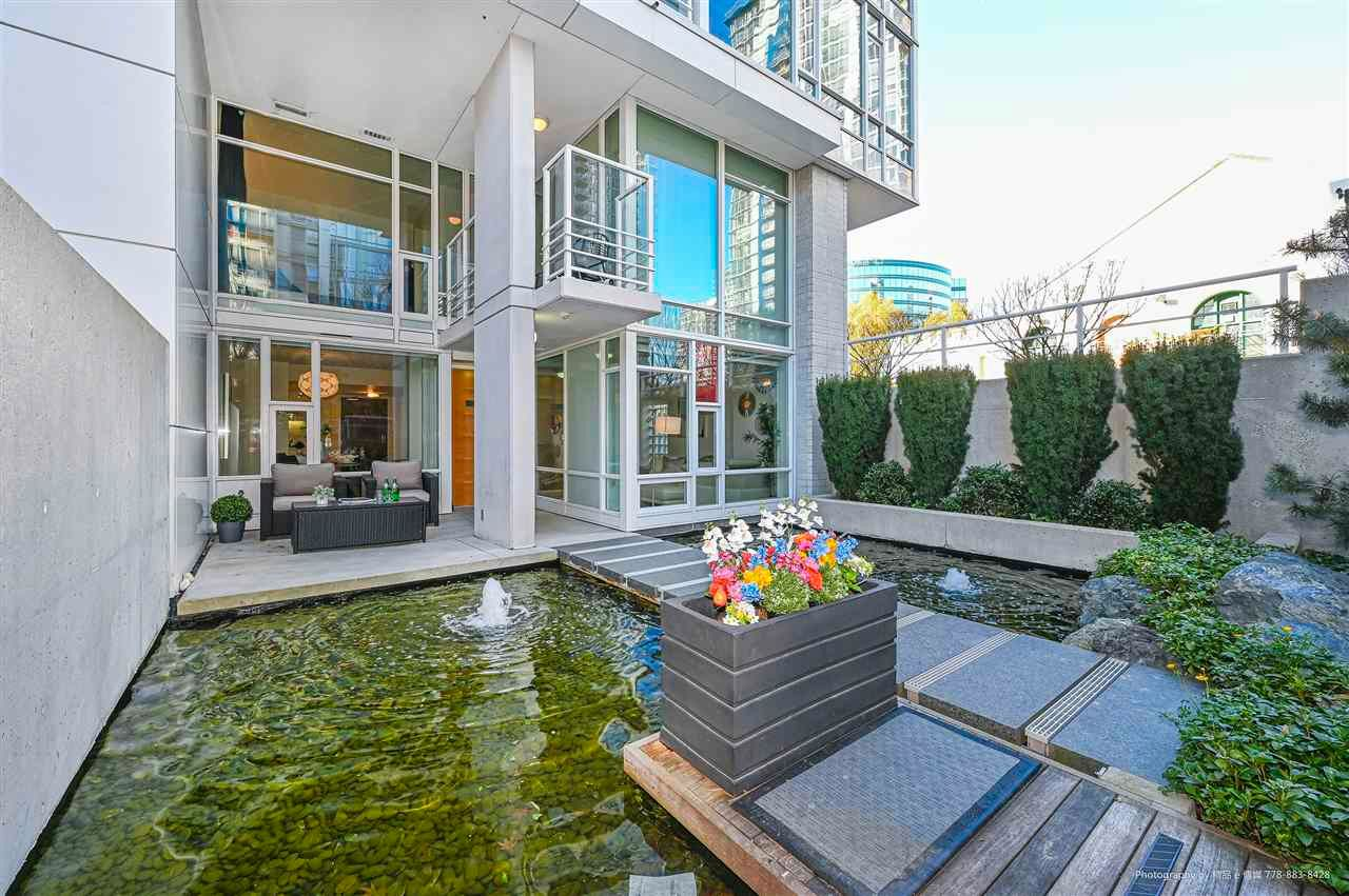 "Main Photo: 112 161 W GEORGIA Street in Vancouver: Downtown VW Townhouse for sale in ""COSMO"" (Vancouver West)  : MLS®# R2575699"