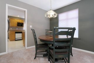 Photo 5: 6048 189A Street in Surrey: Cloverdale BC House for sale (Cloverdale)  : MLS®# R2054243