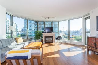 """Photo 3: 801 1088 QUEBEC Street in Vancouver: Mount Pleasant VE Condo for sale in """"The Viceroy"""" (Vancouver East)  : MLS®# R2206969"""