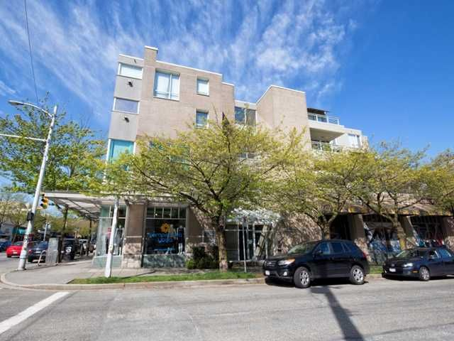 """Main Photo: 331 1979 YEW Street in Vancouver: Kitsilano Condo for sale in """"CAPERS BUILDING"""" (Vancouver West)  : MLS®# V1003340"""