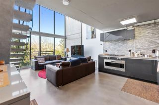 """Photo 3: 513 1540 W 2ND Avenue in Vancouver: False Creek Condo for sale in """"THE WATERFALL BUILDING"""" (Vancouver West)  : MLS®# R2624820"""