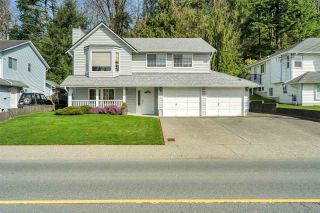 Photo 1: 3046 MCMILLAN Road in Abbotsford: Abbotsford East House for sale : MLS®# R2560396