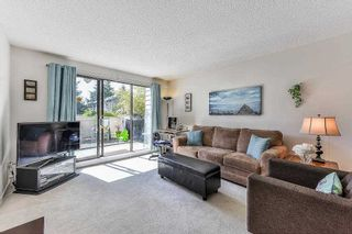 """Photo 2: 115 1442 BLACKWOOD Street: White Rock Condo for sale in """"Blackwood Manor"""" (South Surrey White Rock)  : MLS®# R2433629"""