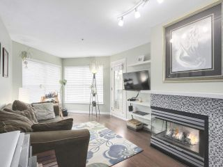 """Photo 2: 206 509 CARNARVON Street in New Westminster: Downtown NW Condo for sale in """"HILLSIDE PLACE"""" : MLS®# R2150025"""