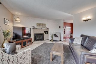 Photo 3: 101 Albany Crescent in Saskatoon: River Heights SA Residential for sale : MLS®# SK848852