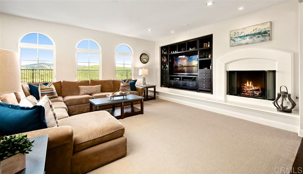 Photo 6: Photos: CARLSBAD SOUTH House for sale : 5 bedrooms : 6928 Sitio Cordero in Carlsbad