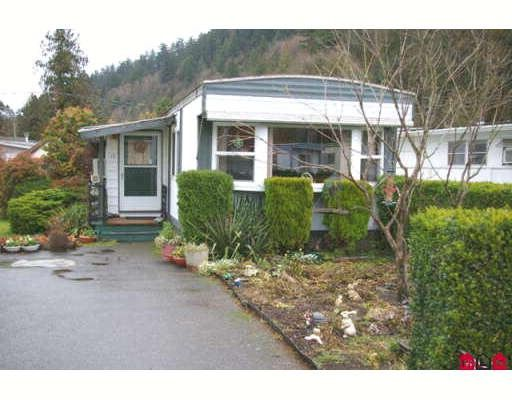 """Main Photo: 10 45715 ALMA Avenue in Sardis: Vedder S Watson-Promontory Manufactured Home for sale in """"FIRCREST MHP"""" : MLS®# H2705080"""