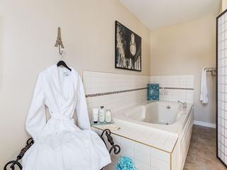 Photo 15: 13 SHAWGLEN Court SW in Calgary: Shawnessy House for sale : MLS®# C4142331
