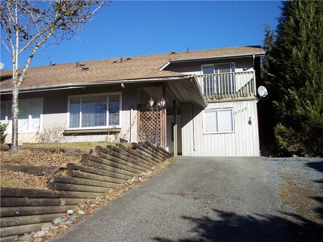 """Main Photo: 2725 SANDON Drive in Abbotsford: Abbotsford East 1/2 Duplex for sale in """"MCMILLAN LOCATION"""" : MLS®# F1401829"""