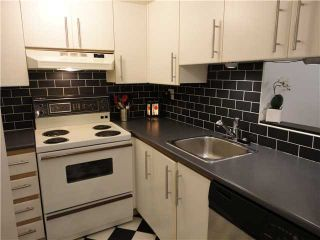 """Photo 2: 107 1230 HARO Street in Vancouver: West End VW Condo for sale in """"1230 HARO"""" (Vancouver West)  : MLS®# V876370"""