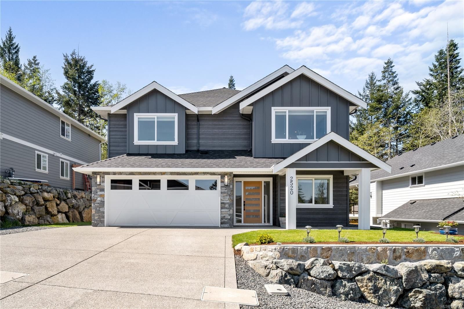 Main Photo: 2520 West Trail Crt in : Sk Broomhill House for sale (Sooke)  : MLS®# 875824